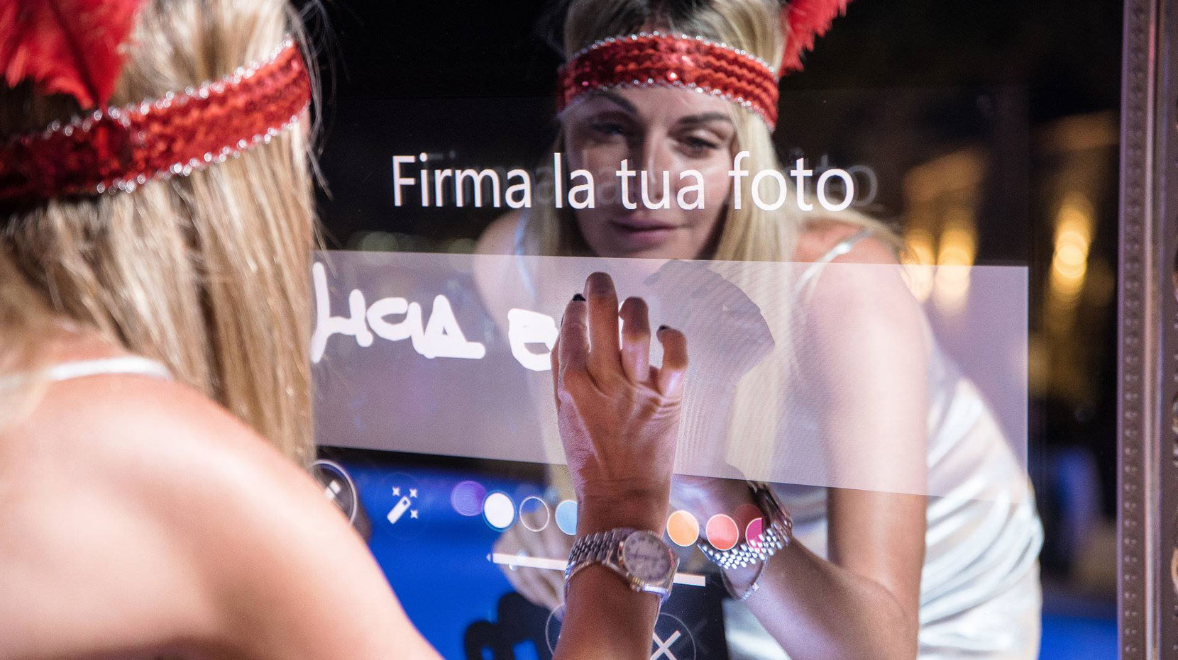 Magic Mirror Italia il Selfie Mirror per Eventi e Cerimonie in Italia